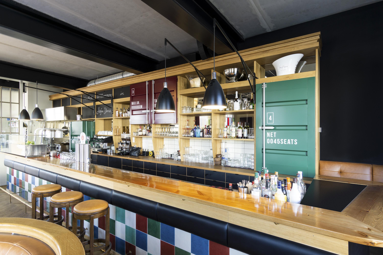 handwerkplusdesign hafendomizil in berlin, restaurant, interior, bar und tresen